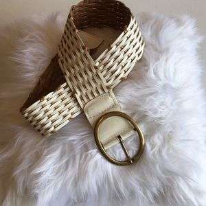 Accessories - 3/$25 Ivory and gold leather braided belt Sz Small